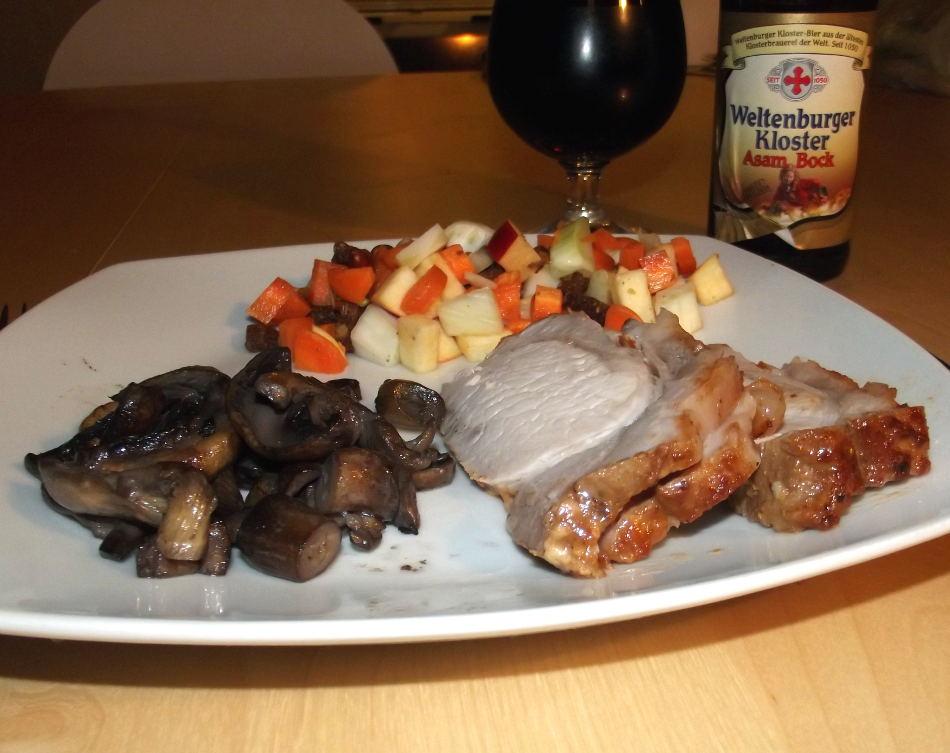 God mad og øl. Barbeque flæskesteg med salat, svampe og den gode tyske doppelbock Weltenburger Asam Bock