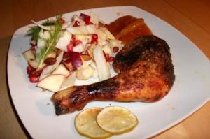 Kylling med ingefær og chili, serveret med efterårssalat