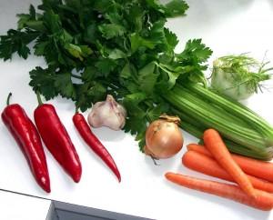 Peberfrugt, chili, bladselleri, hvidløg, løg, gulerod og fennikel