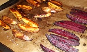 Ovnfritter af kartofler og rødbeder