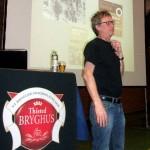 Antoni Aagaard Madsen fortæller om de amerikanske øl ved Danske Ølentusiasters generalforsamling