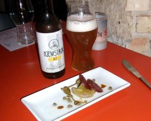 Bar Snik Snak Spis! menu. Stegte grønne tomater med Munkebo Hjemstavn Ale