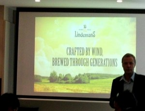 Dirk Lindemans with the brewery slogan