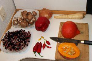 Masser af grøntsager og bønner til vegetarisk chiligryde