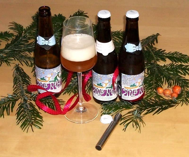 Tre årgange af De Dolle Brouwers julebryg - Stille Nacht i juletableau