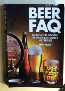 Beer FAQ er den perfekte grundbog for danske ølelskere med interesse for nyere amerikansk øl
