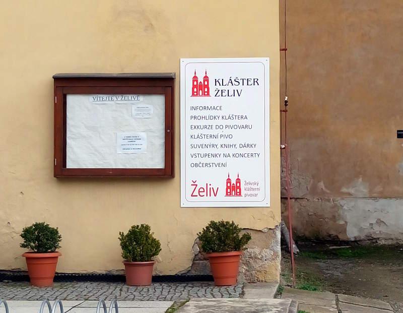 Turisme er tydeligvis en stor del af livet på Zeliv Kloster