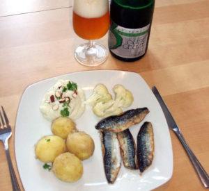 Skindstegt makrel med nye kartofler, blom,kålspuré, dampet blomkål og 3 Fonteinen Geuze