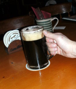 Et godt glas tjekkisk mørk lagerøl, her en Tmavy Lezak fra U Bulovky Richter