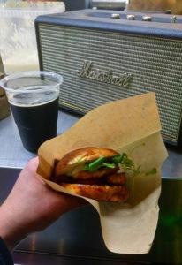 Fried Halloumi burger fra Snack & Blues