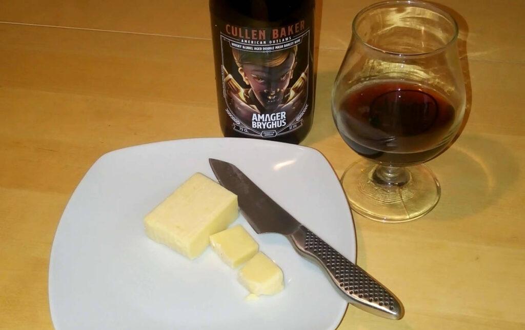 Amager Bryghus Cullen Baker fadlagret barley wine og lagret cheddar