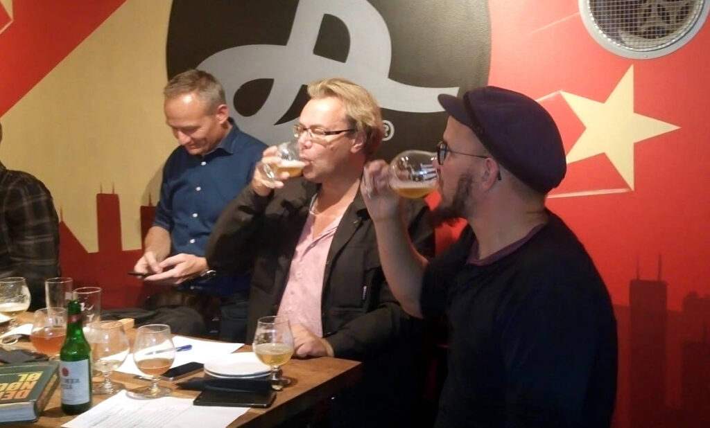 Power to the Pilsner - ølsmagning på Skaal med (fra venstre) Jens Eiken, Christian Andersen og Jan Paul
